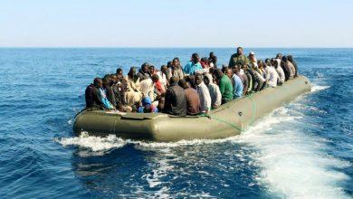 صورة إنقاذ 450 مهاجرا على السواحل الليبية