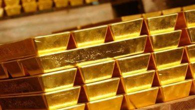 صورة الدولار يرتفع والذهب يتراجع