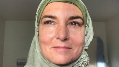 """صورة المغنية الأيرلندية  الشهيرة سينيد أوكونورتعتنق الإسلام ، وتغير اسمها """"الى شهداء """""""