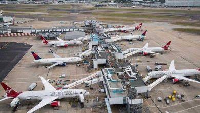 """صورة عودة حركة الطيران في مطار """"هيثرو"""" الى طبيعتها بعد توقفها بسبب """"درون """""""