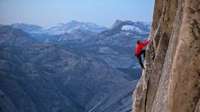 """صورة الأكاديمية البريطانية للأفلام : متسلق الصخور """" فري سولو """" أفضل فيلم وثائقي"""