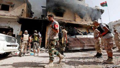 صورة الصراع الليبي يواصل حصد الضحايا وسط انقسام في موقف المجتمع الدولي