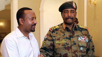 صورة تباين في وجهات النظر بين العسكري السوداني والمعارضة