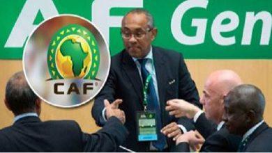 صورة رئيس كاف يعترف: الوداد المغربي تعرض للظلم في نهائي دوري أبطال إفريقيا