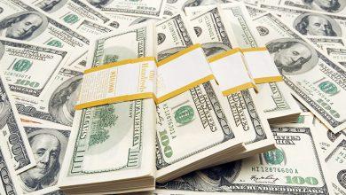صورة ملياردير جمع ثروة قيمتها مليار دولار من مشروع عن بعد