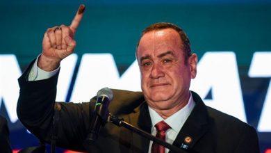 """صورة إعلان """"أليخاندرو جياماتي"""" رئيساً لجواتيمالا .. قبل انتهاء فرز الأصوات"""