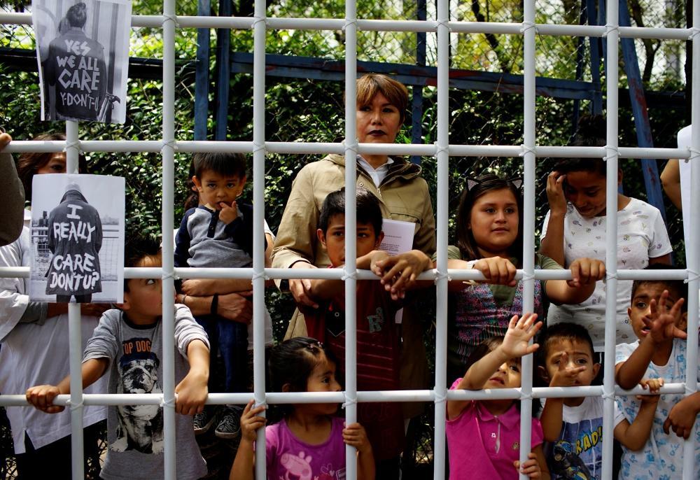 محكمة أمريكية تقر حق الأطفال المهاجرين المحتجزين في الغذاء والعناية الصحية