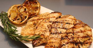 صورة استبدال اللحوم بالدجاج يقلل خطر إصابة المرأة بسرطان الثدي