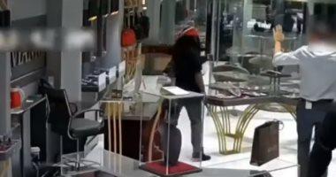 متجر للمجوهرات فى نيويورك يتعرض للسطو المسلح