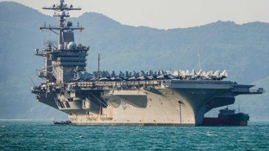 صورة حاملة طائرات أمريكية تعبر مضيق هرمز وسط أجواء متوترة مع إيران