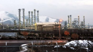 صورة إيران تضخ غاز اليورانيوم فى أجهزة الطرد وواشنطن تصف الإجراء بالابتزاز النووي