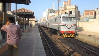 صورة للمرة الثانية: مصرع شاب مصري قفز من القطار بسبب الغرامة