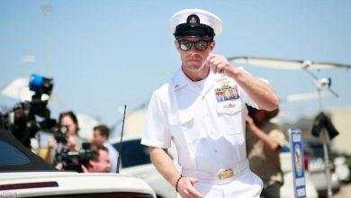 صورة البحرية الأمريكية تتحدى ترامب وتواصل طرد جندي متهم بجرائم حرب