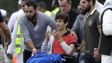 الأمير تشارلز يلتقي طلاب متضررين من مذبحة مسجد كرايستشيرش