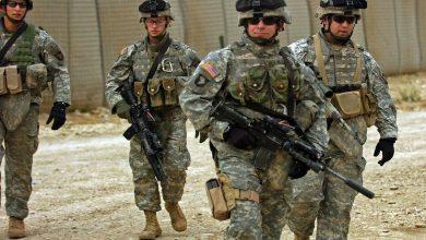 صورة مصرع جندي جراء قصف على معسكر للقوات الأمريكية بالعراق