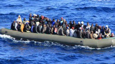 صورة مصرع 11 مهاجرًا بينهم 8 أطفال بعد انقلاب قاربهم قبالة ساحل غرب تركيا