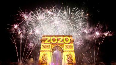 صورة العالم يستقبل 2020 بالألعاب النارية والحرائق والمظاهرات (صور)