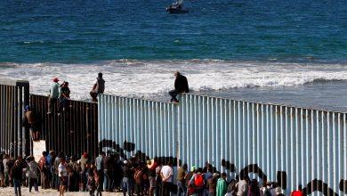 تراجع تدفق المهاجرين من المكسيك نحو أمريكا بنسبة 74.5%