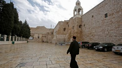فلسطين تضع 15 أمريكيًا في الحجر الصحي بسبب كورونا