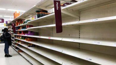 صورة ذعر في بريطانيا.. المتاجر تناشد المواطنين بالتوقف عن الشراء (فيديو)