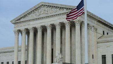 صورة المحكمة العليا ترفض الطعن في حصانة الشرطة وتصوّت لحماية المثليين