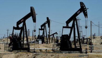 صورة أسعار النفط تعود للتراجع وسط مخاوف من موجة كورونا ثانية