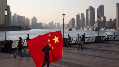 أمريكا تفرض قيودًا على تأشيرات السفر لمسؤولين صينيين