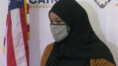 """صورة شابة مسلمة بولاية مينيسوتا تقاضي """"ستاربكس"""" لهذا السبب!"""