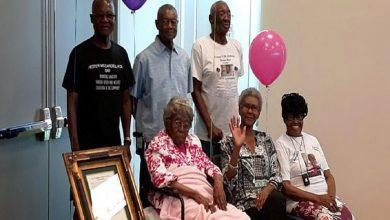 صورة أكبر معمرة أمريكية تحتفل بعيد ميلادها الـ116.. لن تتخيل عدد أحفادها!