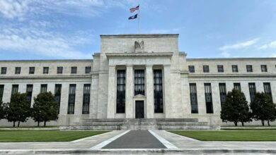 """صورة الاحتياطي الفيدرالي يحدد شرط """"التعافي الكامل"""" للاقتصاد"""
