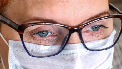 صورة هل مرتدو النظارات أقل عرضة للإصابة بكورونا؟.. دراسة حديثة تجيب