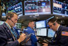 صورة بورصات أمريكا وأوروبا تتراجع والأسواق تفقد مناعتها بعد إصابة ترامب بكوورنا