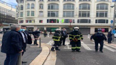 صورة هجمات فرنسا.. تضامن أمريكي وإدانة إسلامية ودعوات لإزالة الأسباب