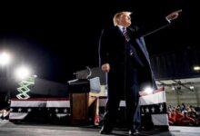 صورة ترامب يسخر من تجمعات بايدن ويدعو لعدم جعل هاريس أول رئيسة لأمريكا