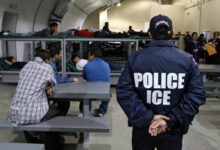 صورة إدارة ترامب تسعى لترحيل المزيد من المهاجرين دون جلسات استماع في المحكمة