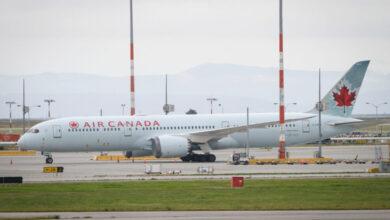 صورة شركة طيران كندية تقدم تأمينًا صحيًا مجانيًا لكورونا
