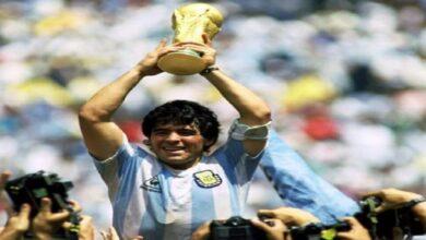 كرة القدم تودع أسطورتها.. والعالم يبكي مارادونا