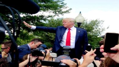 """في أقصر مؤتمر صحفي لرئيس أمريكي.. ترامب يتحدث عن """"الرقم المقدس""""!"""