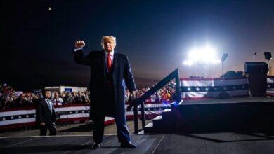 ترامب يحتاج لانتصار ويدعم دعوى تكساس لإلغاء نتائج 4 ولايات