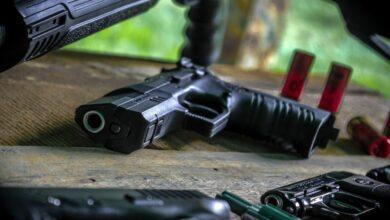 تقرير: الأمريكيون اشتروا 23 مليون قطعة سلاح العام الماضي!