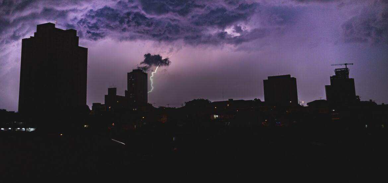30 ألف شخص في تكساس دون كهرباء.. وبايدن يستعد لزيارتها